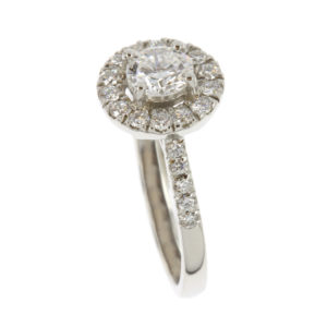 Brilliant-Cut-Diamond-Halo-Ring